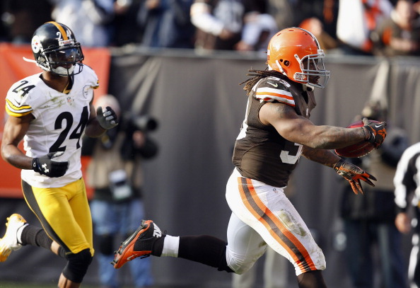 Browns Get Eight Takeaways; Top Steelers 20-14 to Move to 3-8